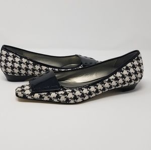 Houndstooth Malinddy Flats by Anne Klein NWOT 8M